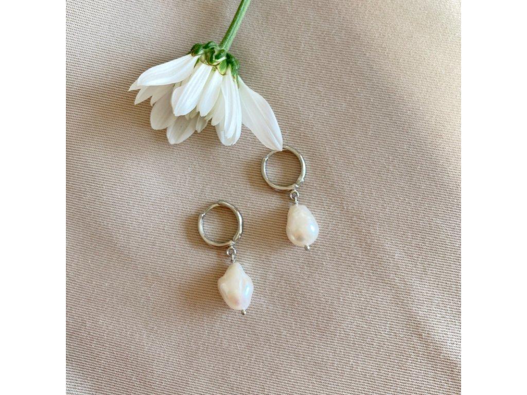 Stříbrné náušnice s přírodní perlou