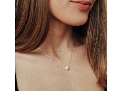 Stříbrný řetízek s přírodní perlou