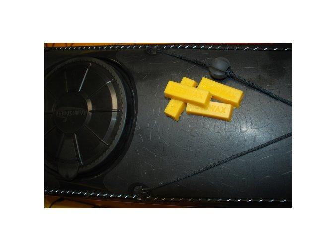 Mazací vosk na zip suchého obleku