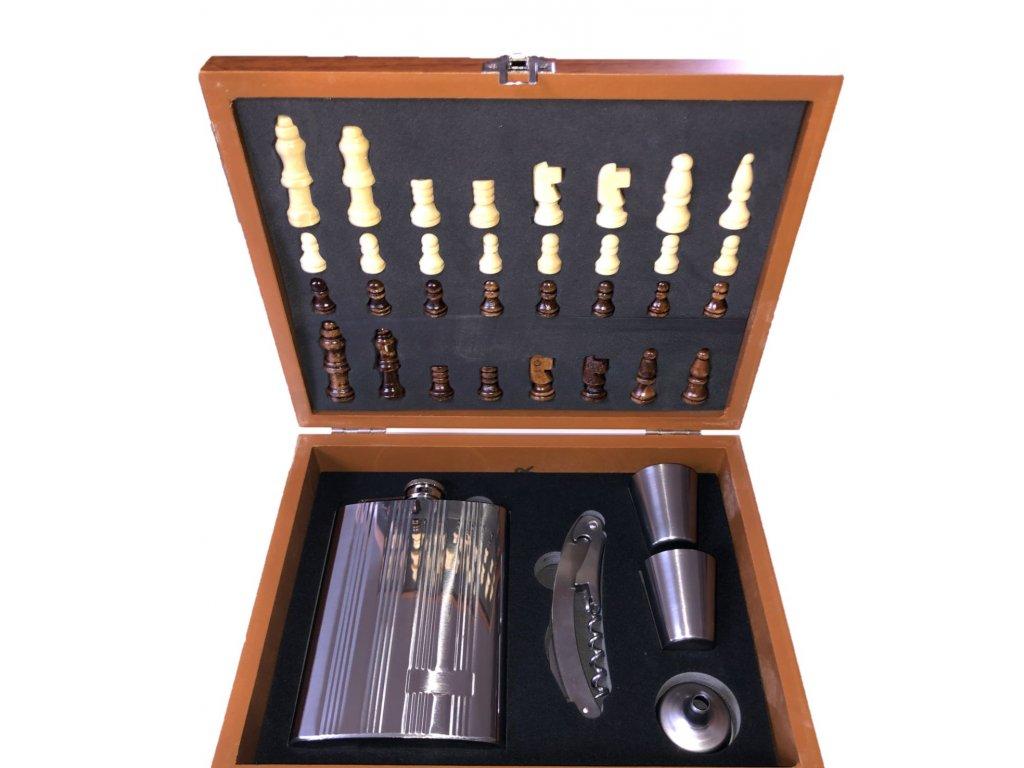 Ploskačka v darčekovej kazete silver so šachom 240ml