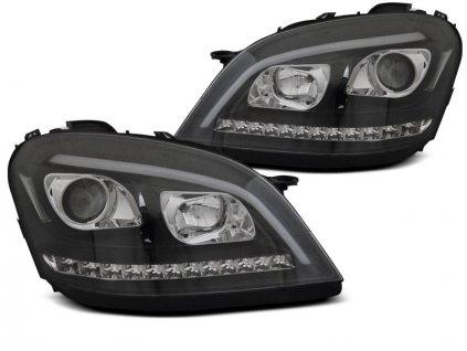 Přední světla Mercedes Benz ML W164 05-07 - černá LED SEQ