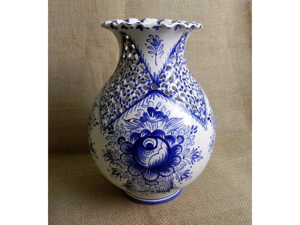 Řezaná váza s vlnkou