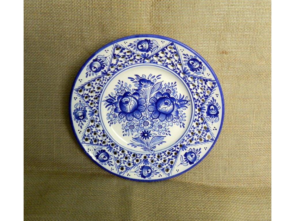 Keramický talíř - dírkovaný