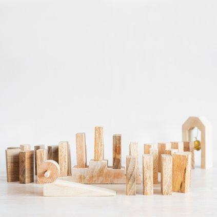 Drevene domino v prirodnych farbach