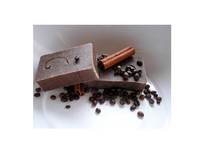 zjemnujici mydlo s kavou a skorici