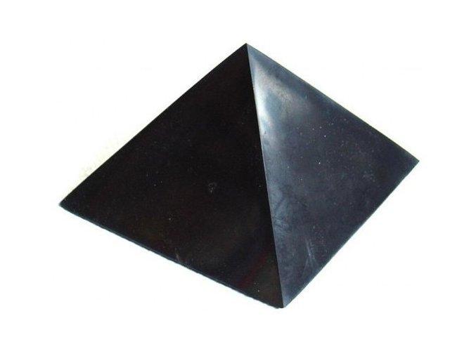 Pyramida šungitová 15 cm Leštěná