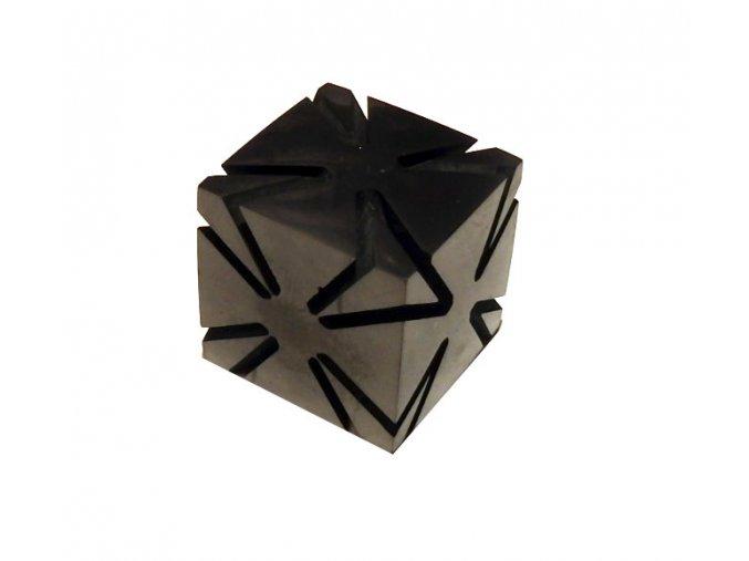 Krychle ze šungitu s průřezy leštěná 4 cm