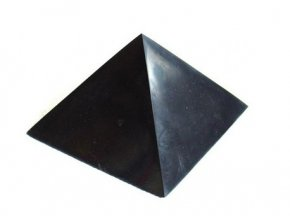 Pyramida šungitová 10 cm Leštěná