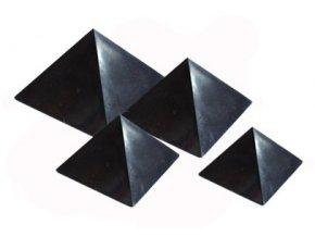 Pyramida šungitová 4 cm Leštěná
