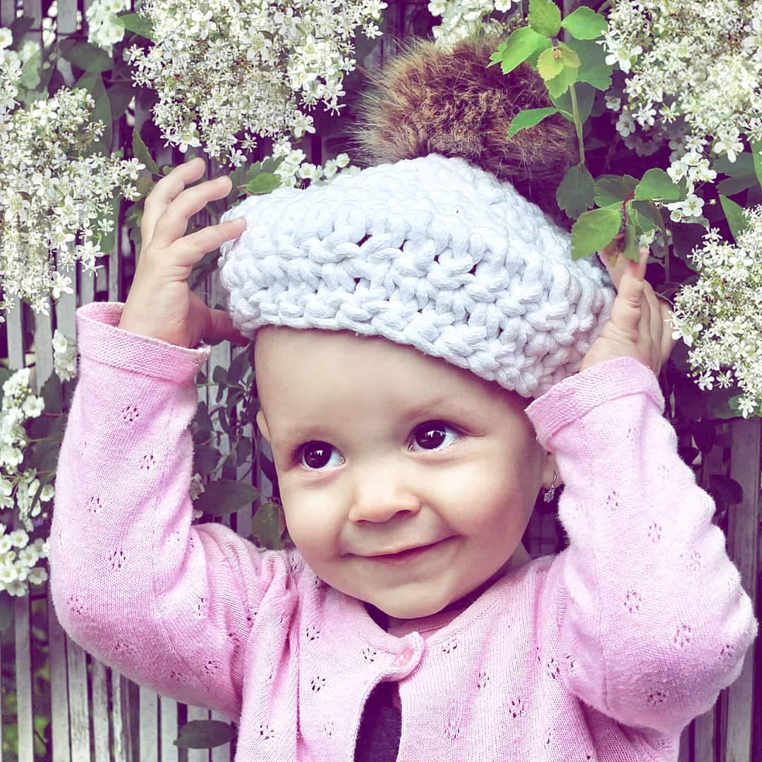 Háčkovaný baret nejen pro holčičky