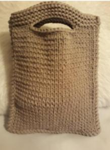 Fotonávod na pletenou kabelku z příze Biskvit