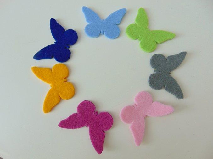 Výsek z filcu motýl bílý