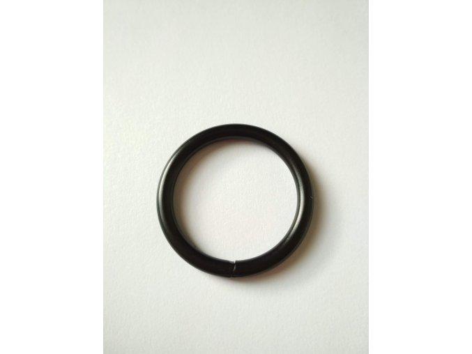 Kroužek černý 20 mm
