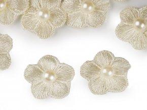 Vyšívaný květ Ø20 mm s perlou