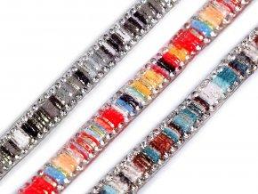 Prýmek se skleněnými broušenými kamínky šíře 10 mm nažehlovací