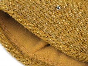 Dámská zimní čepice s bambulí, lurexem a perlami