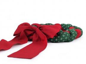 Vánoční splétaný látkový věnec