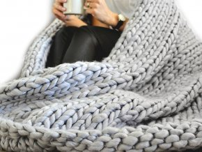 Pletená deka / pléd z extra silné příze
