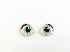 Vyšívané oči na panenku 1,5 cm světle modré