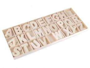 Dřevěná písmena v krabici