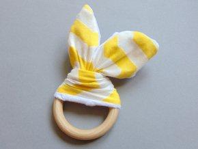 Uši žluto-bílé