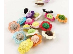 Obháčkované korálky kytka (1ks) - náhodná barva