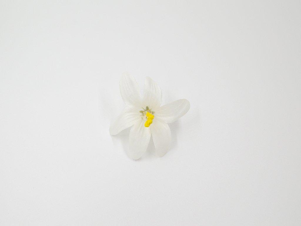 Lilie 002 bílá