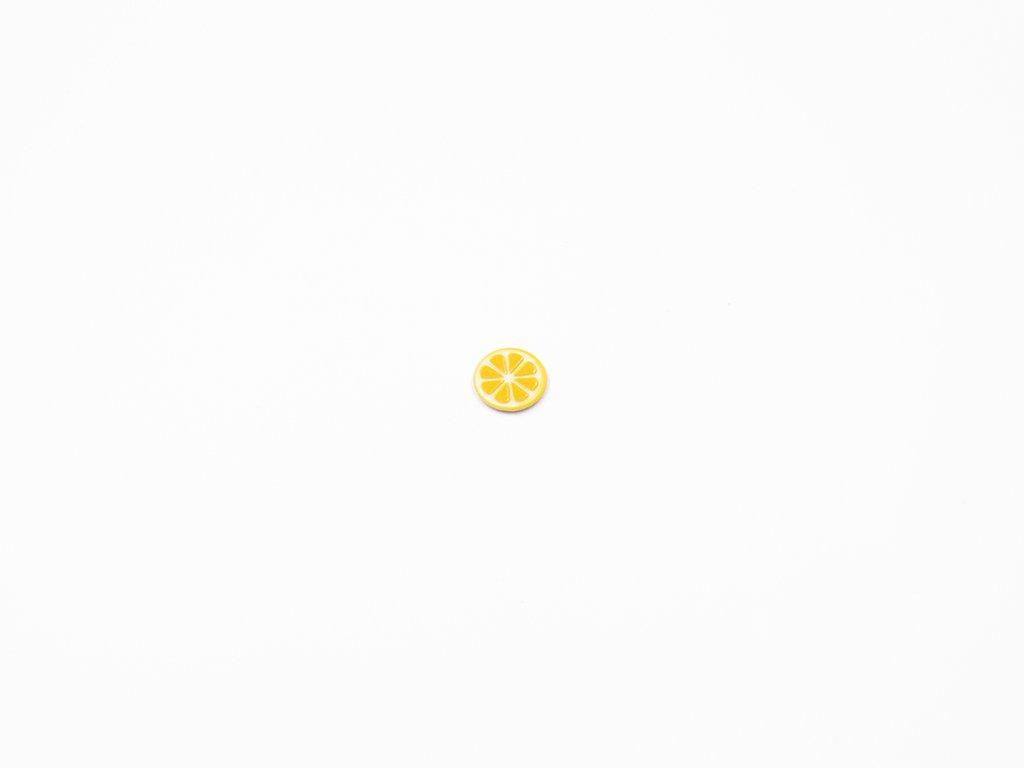 Aplikace citrón plast (průměr 1.5cm) 10Kč
