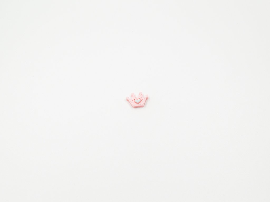 Aplikace korunka plast krémově růžová (š1.8 x v1.3cm) 5Kč
