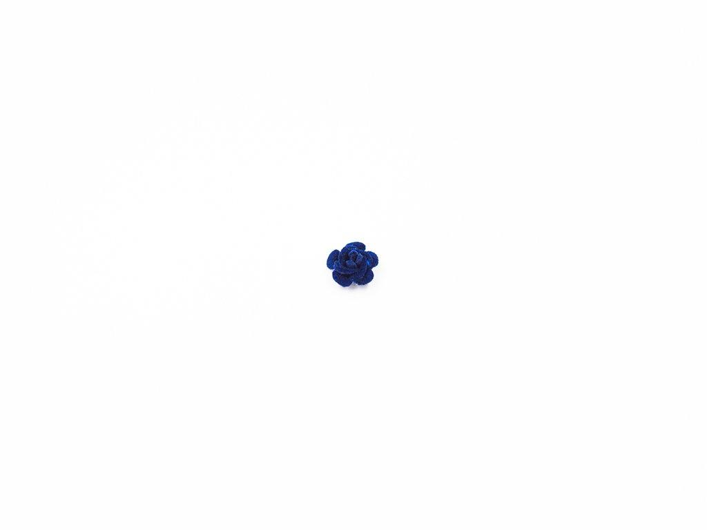 Květ kov samet modrý malý (průměr 1.5cm x hloubka 1cm) 5Kč
