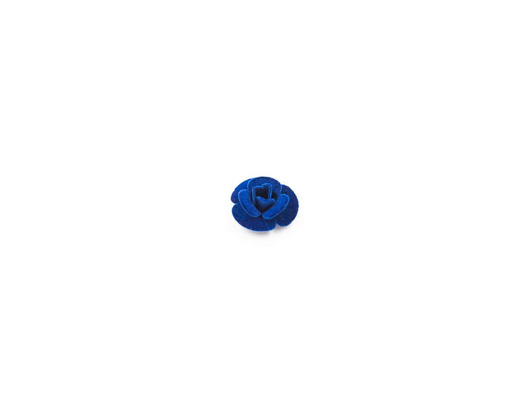 Květ kov samet modrý velký (průměr 3cm x hloubka 1.5cm) 25Kč