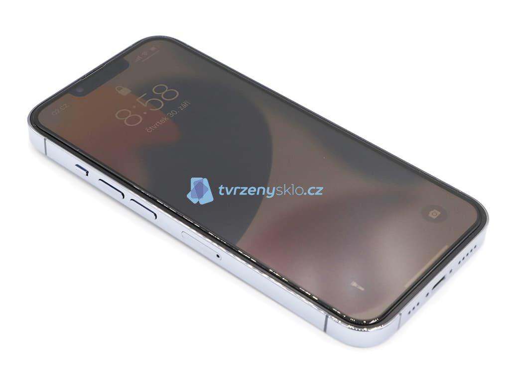 3D tvrzené sklo CLASSIC na iPhone 13 2