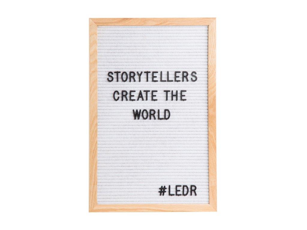 LEDR písmenková tabule na vzkazy LetterBoard - Dřevěný rám / bílé pozadí– 45x30 cm a 290 písmen