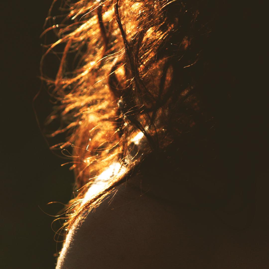 Slepené vlasy po umytí tuhým šamponem