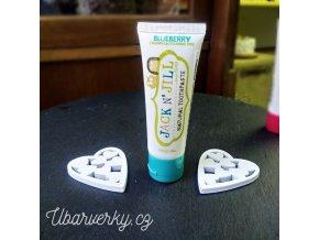 dětská zubní pasta borůvka