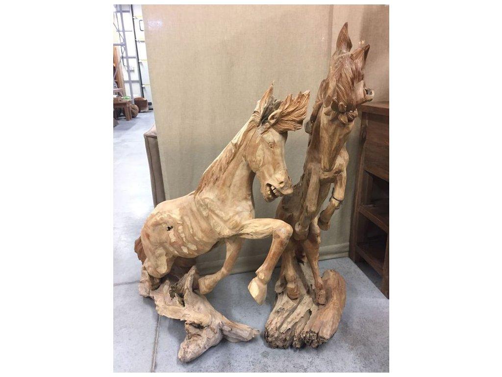 socha kůň