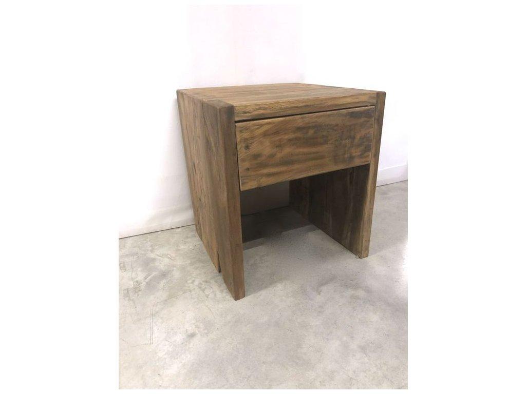 noční stolek bezúchytový