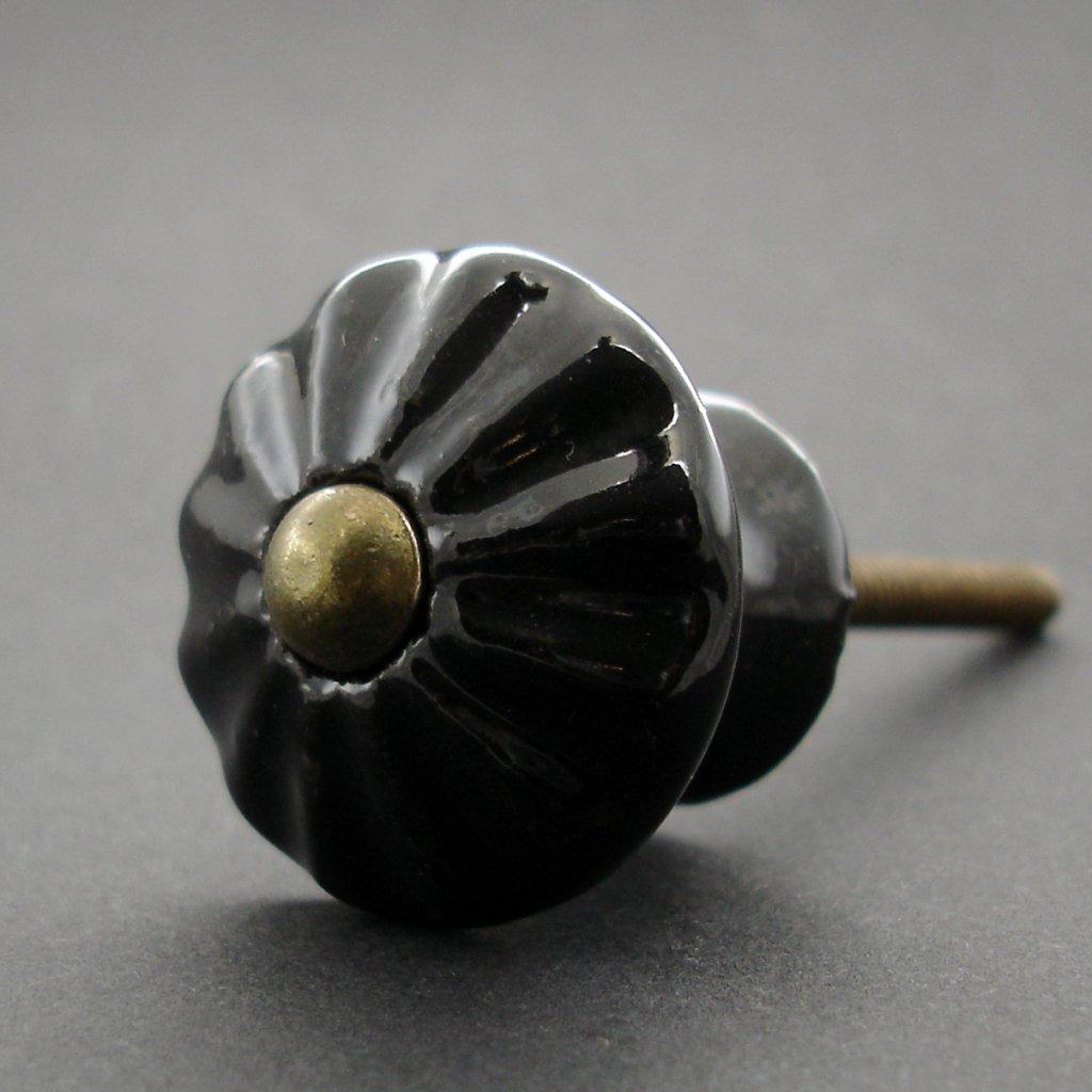 Knopka černá - model 4