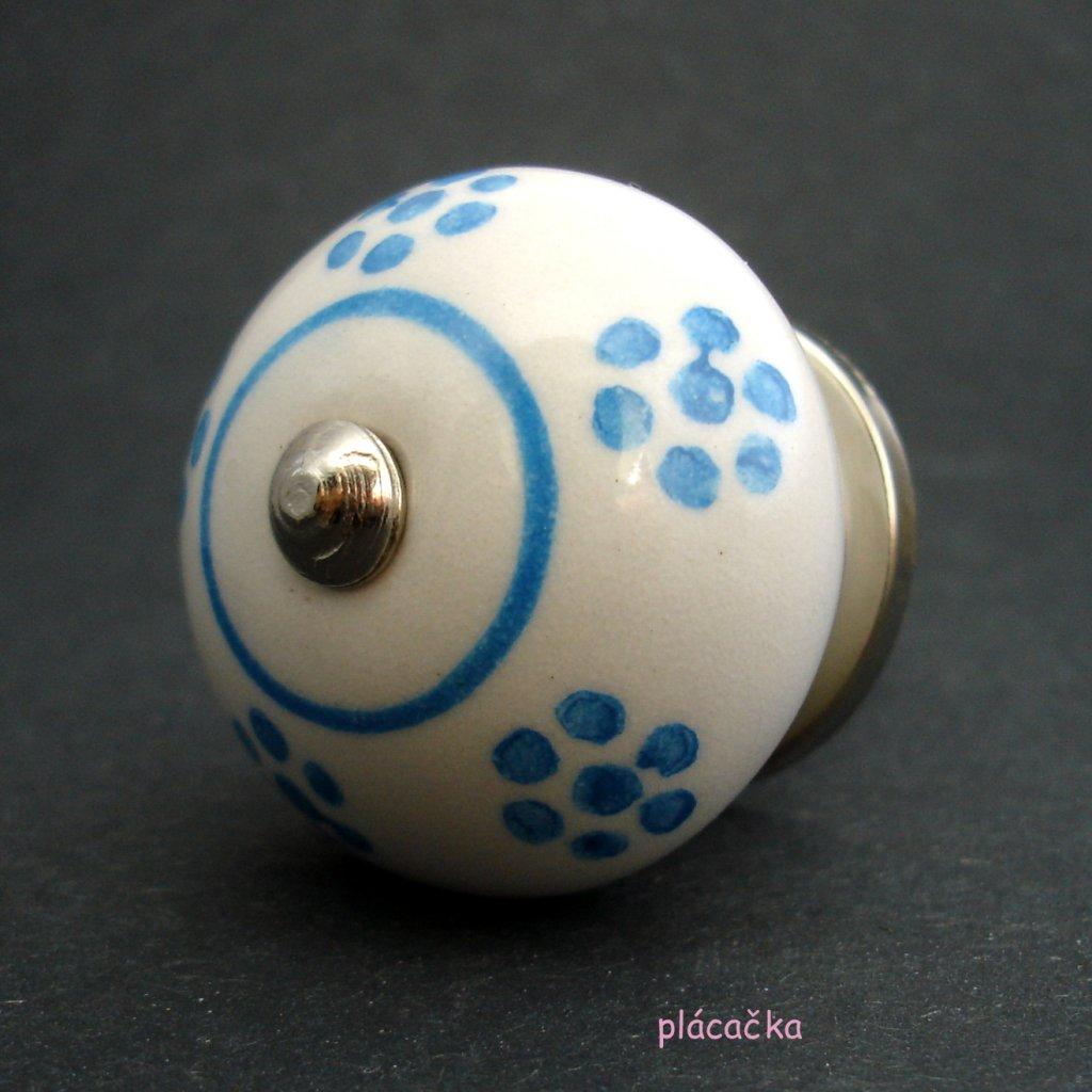 Keramická úchytka -Sedmikráska s modrými kvítky