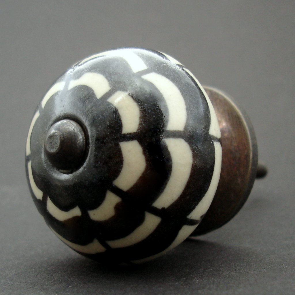 Keramická úchytka-Černá petunie