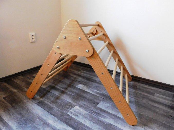 Dřevěný triangl