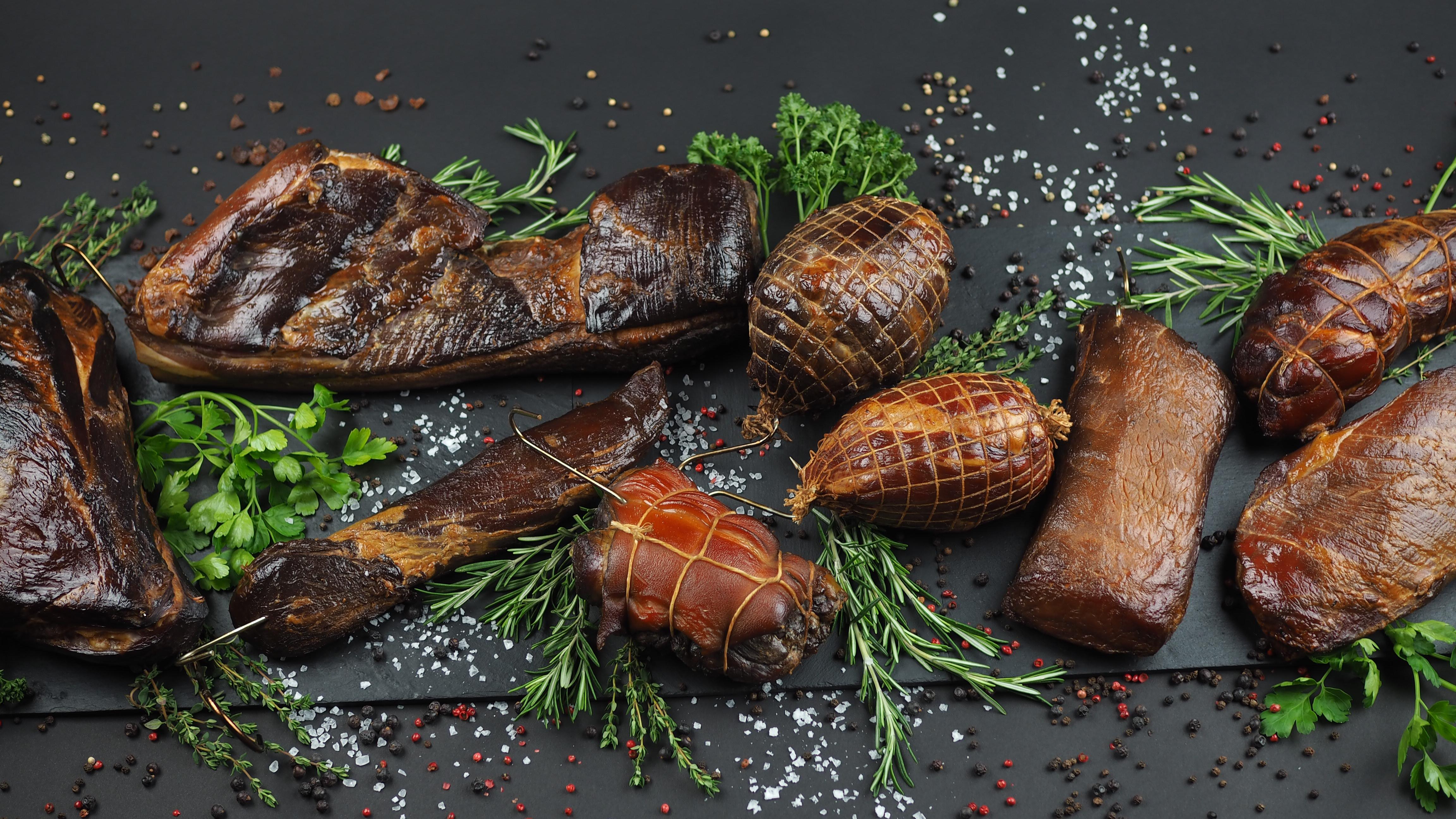 Nakladanie a údenie mäsa