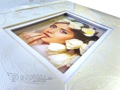 Fotografie na titulní stranu svatebního fotoalba