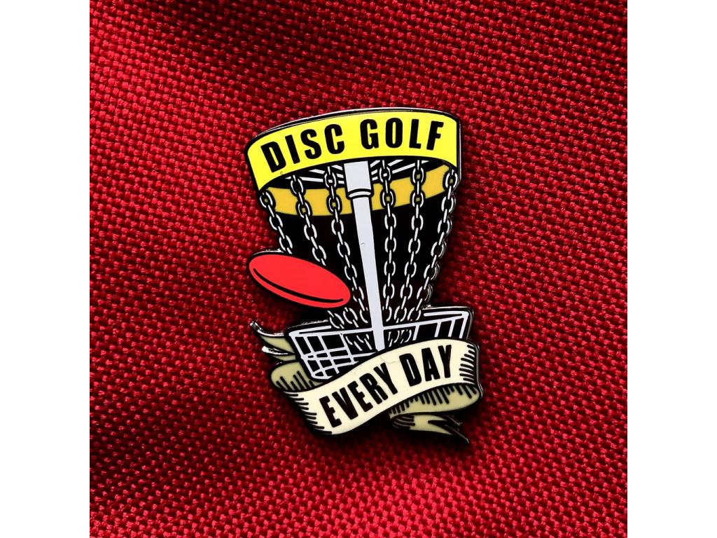 3875 odznak disc golf every day zluty