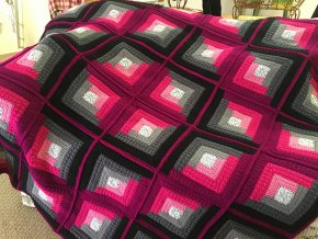 TULIP +  AUTUMN LOG CABIN THROW