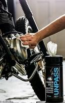 5. video: čičtění celé motorky za použití THUNDERBOLT ubrousků