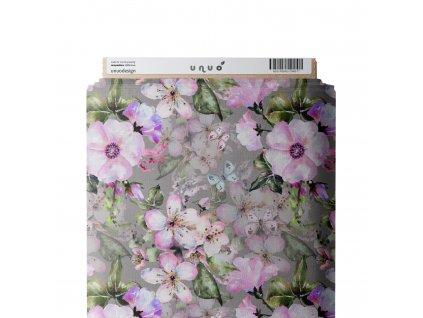 jablonove kvety s motylky
