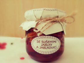 Se sušenými jablky, medem a jablkovicí