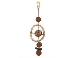 Závěsná hračka kokos.a proutěné kuličky na sisal.vlákně 35cm
