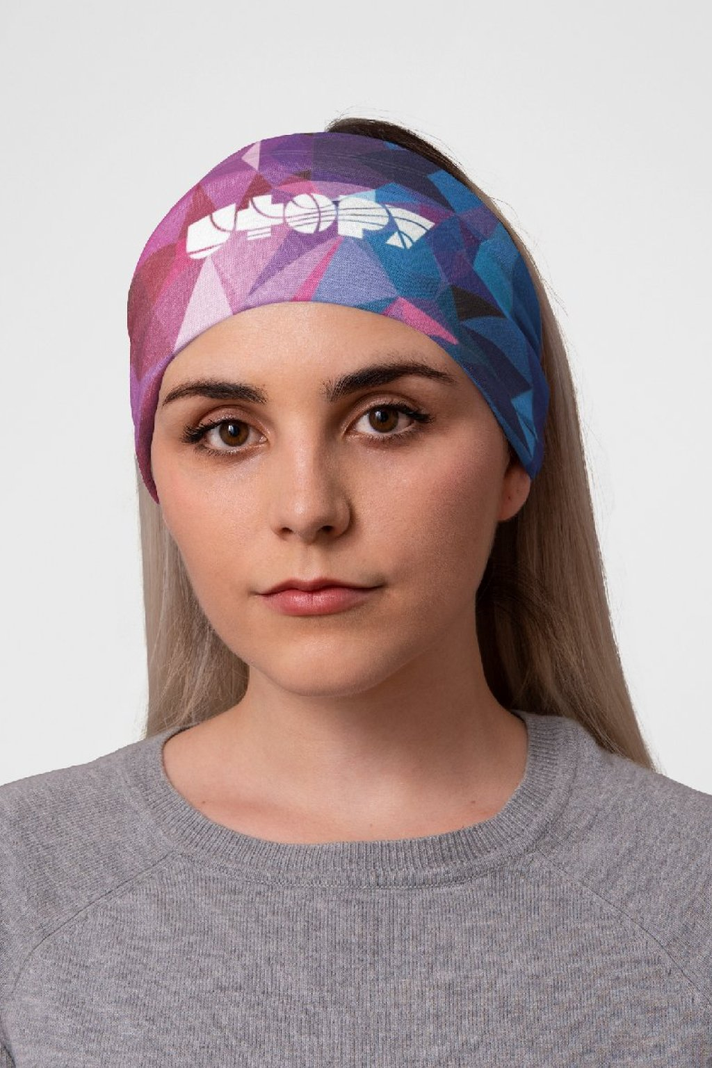 mockup of a woman at a studio with a tubular bandana on her head 36078 (8)